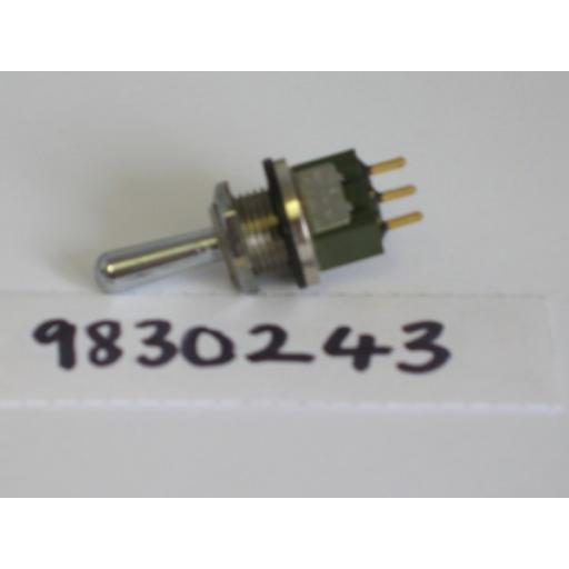 h983-0243-toggle-switch-737-p.jpg