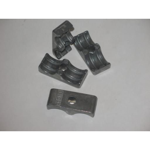 H342 3051 ALUMINIUM DOUBLE PIPE CLAMP