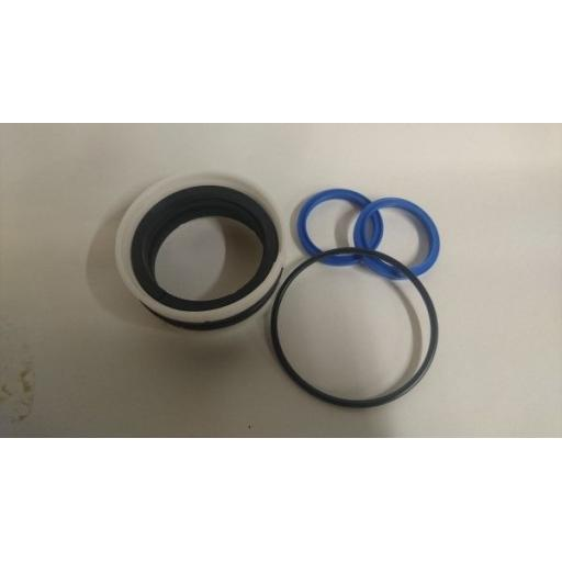 K25505194 Seal Kit KM602 and KM622 Bucket Cylinder Seal Kit